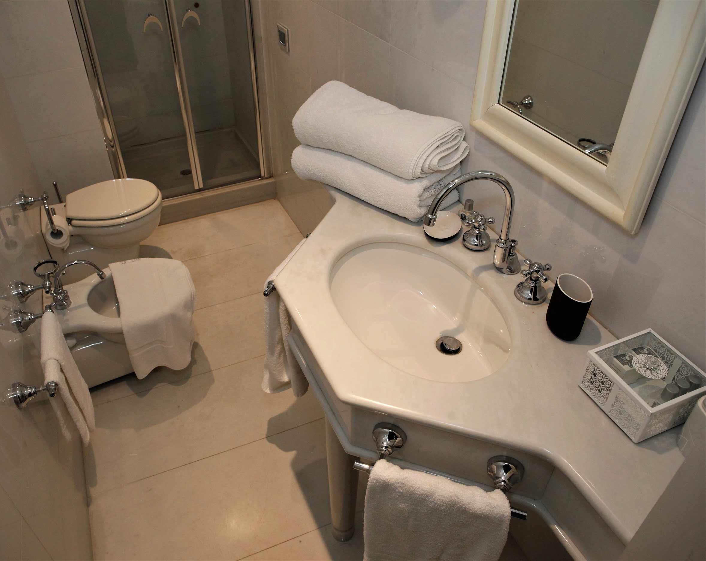 bagno-camera-francese